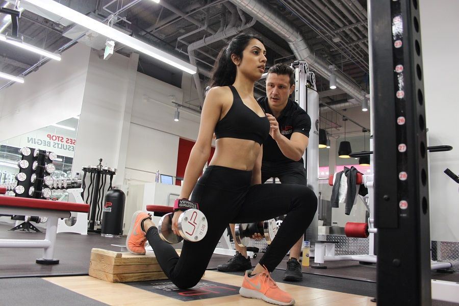 Nirvi-in-the-gym-with-trainer-900-web