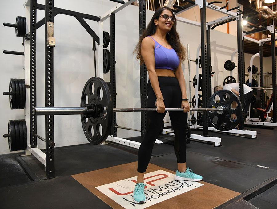 Sneha-in-the-gym-deadlift