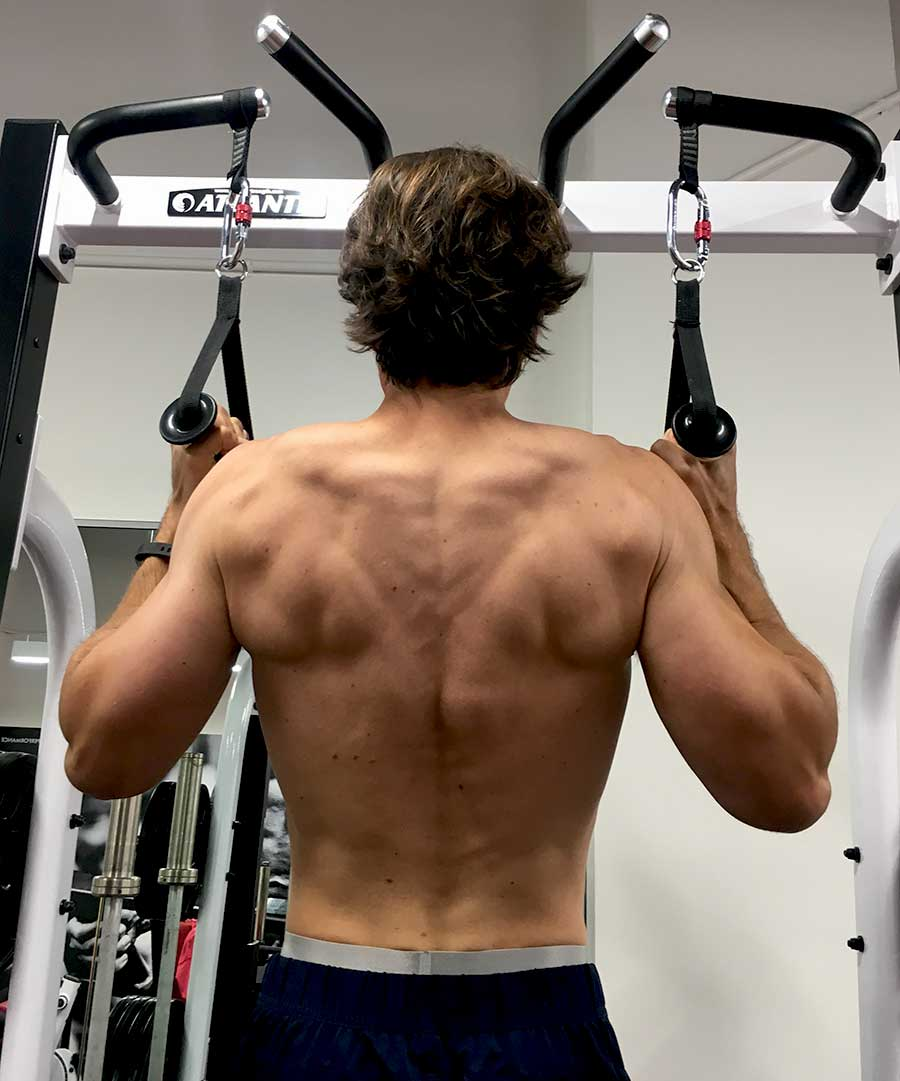 Anthony-in-gym-pullup