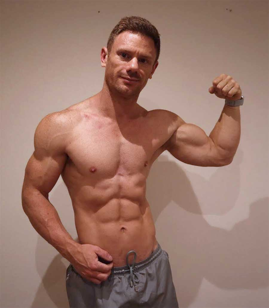 Chris-in-the-gym-pose