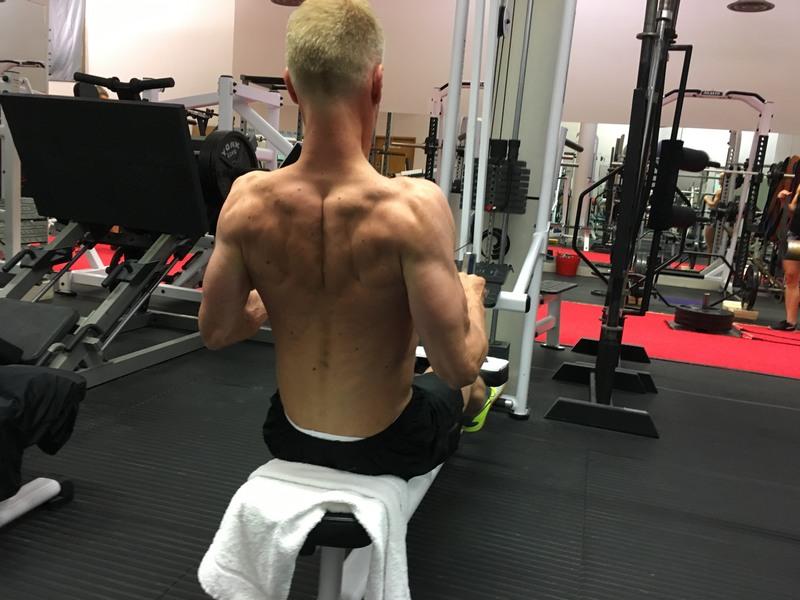 Neil 14 week transformation - back row