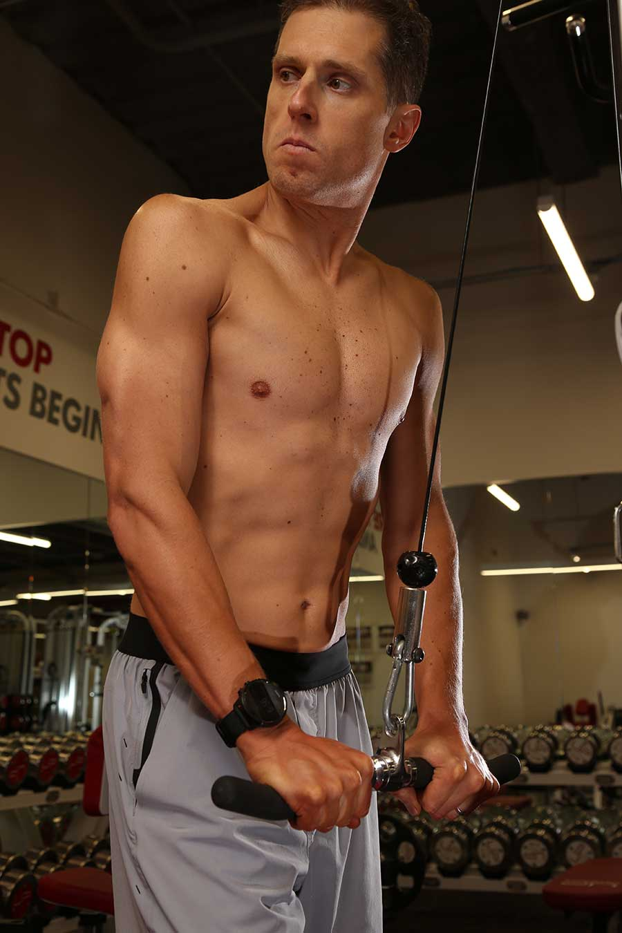 Shaun-in-the-gym-pulldown