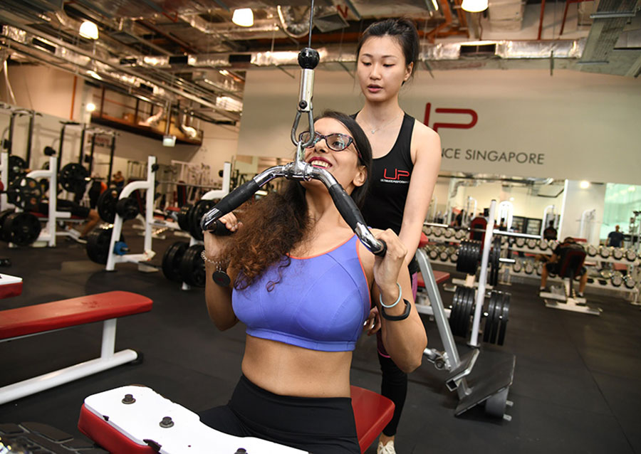 Sneha-in-the-gym-pull